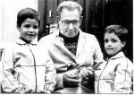 Oom Piet Janssens met Dancun en Kevin en de Lichte uit zus Putvlieger.jpg
